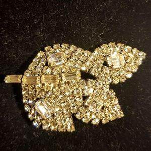 Vintage Large leaf shaped brooch